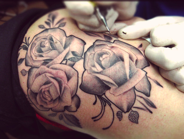 Tattooeing roses