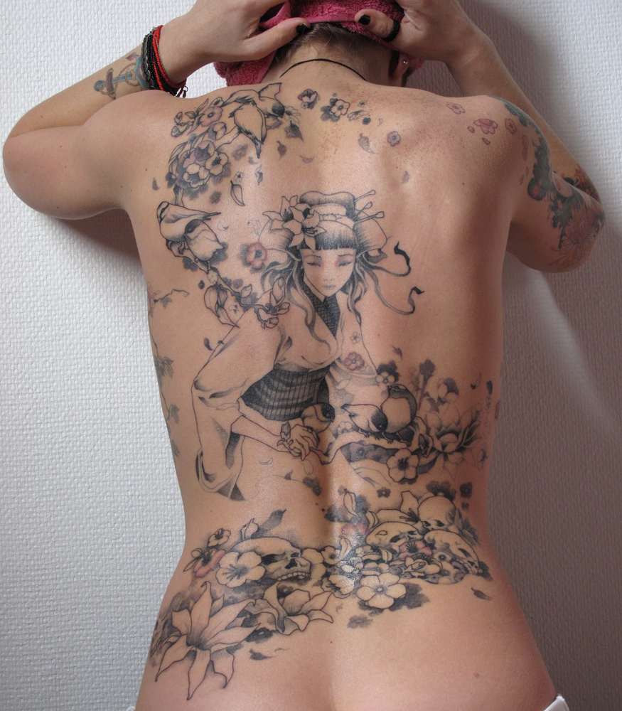 Amazing Girl S Back Tattoo Best Tattoo Design Ideas