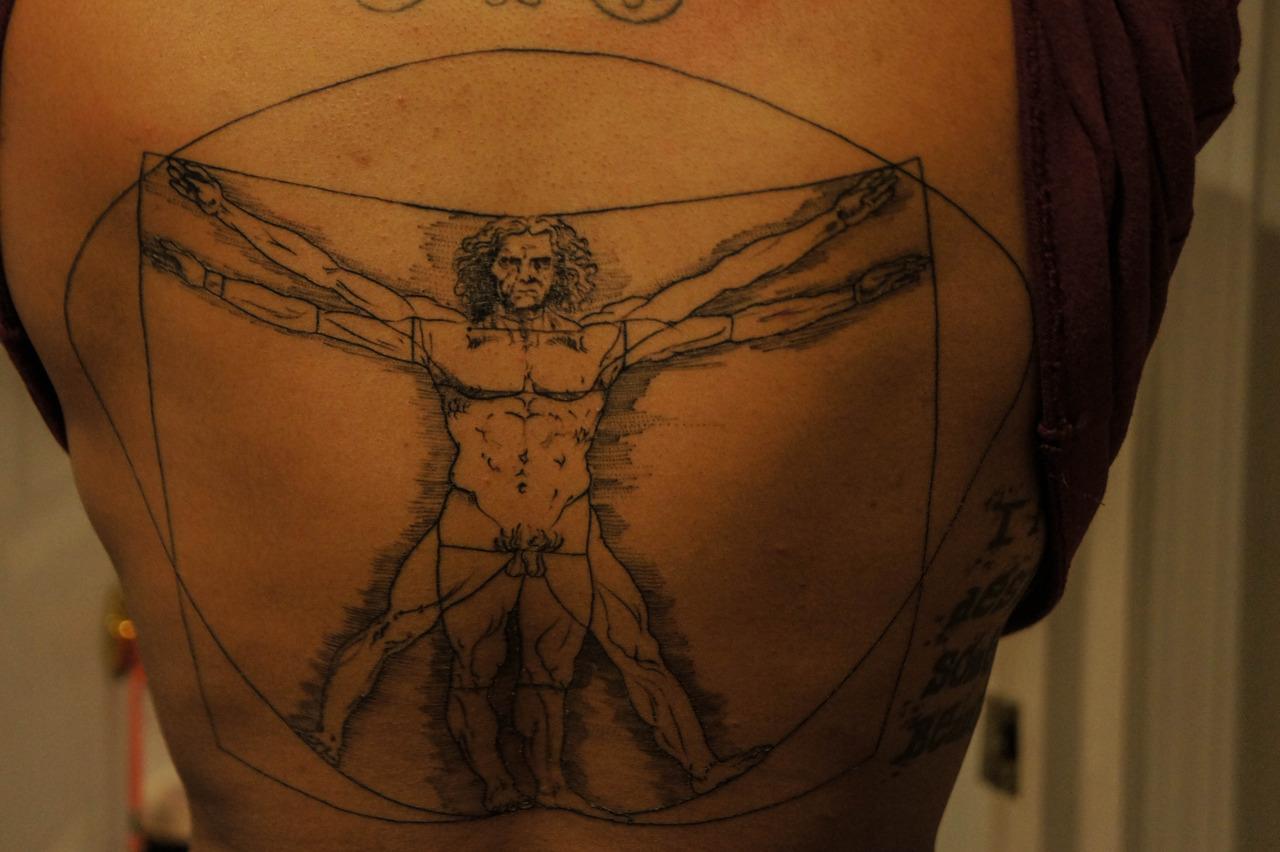 vitruvian man tattoo