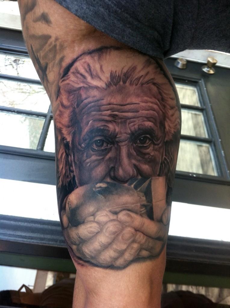 Amazing Einstein tat