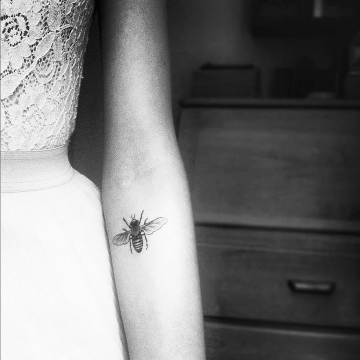 Honey Bee Best Tattoo Design Ideas