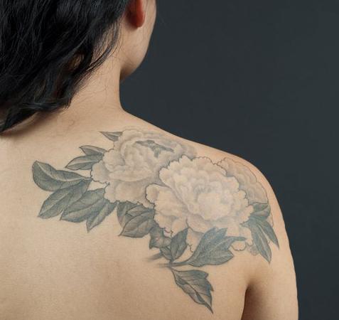 Beautiful floral back tat