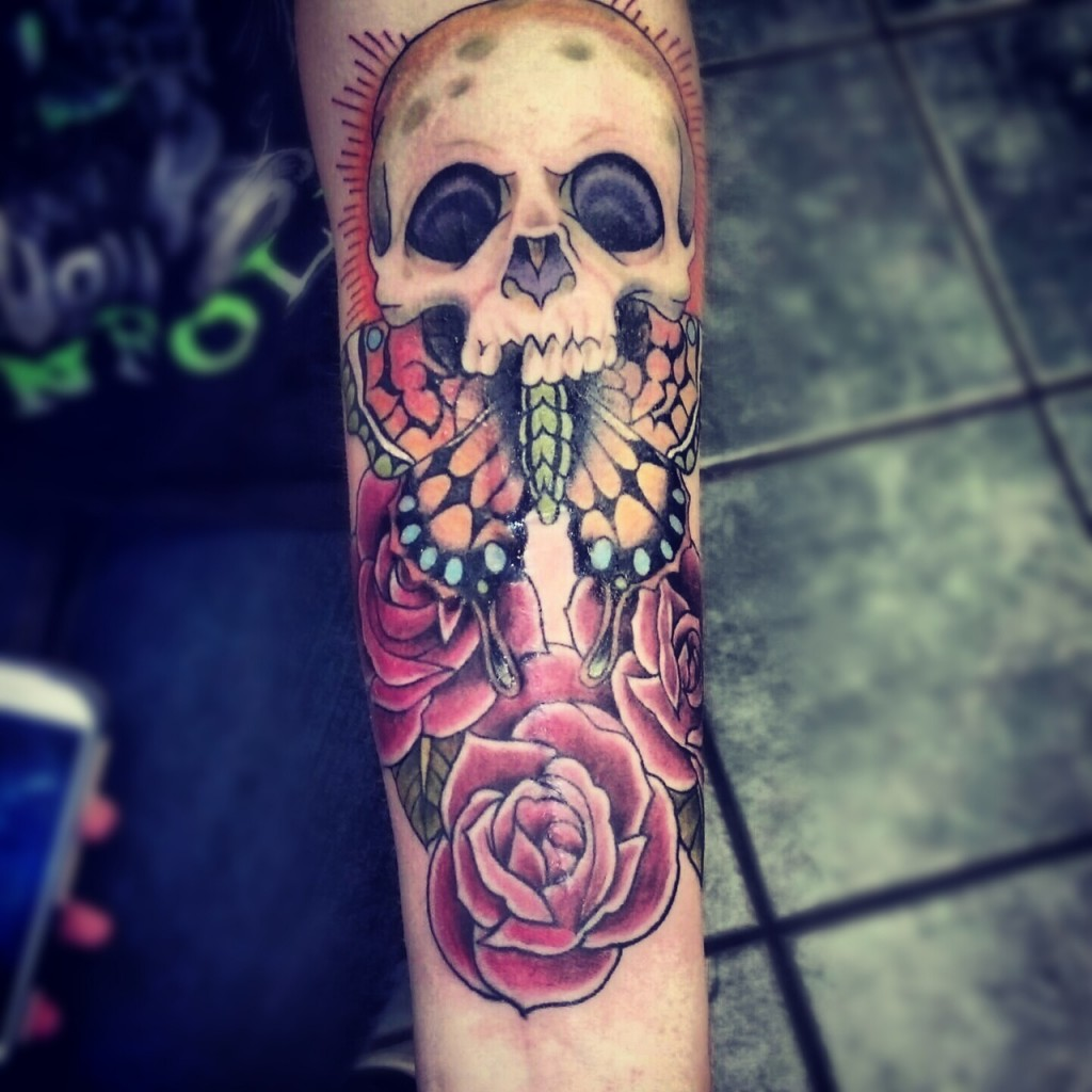 Nice Skull Arm Tat