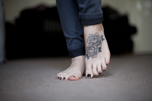 Black Roses Tattoos On Feet