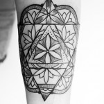 Geometric Flowers Tat
