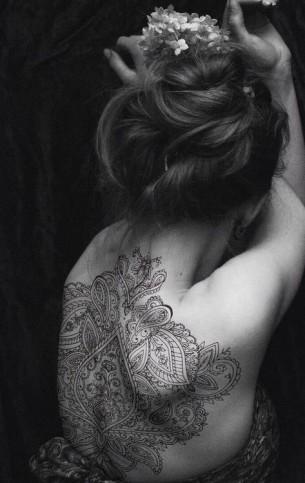 Amazing Henna Style Back Tat