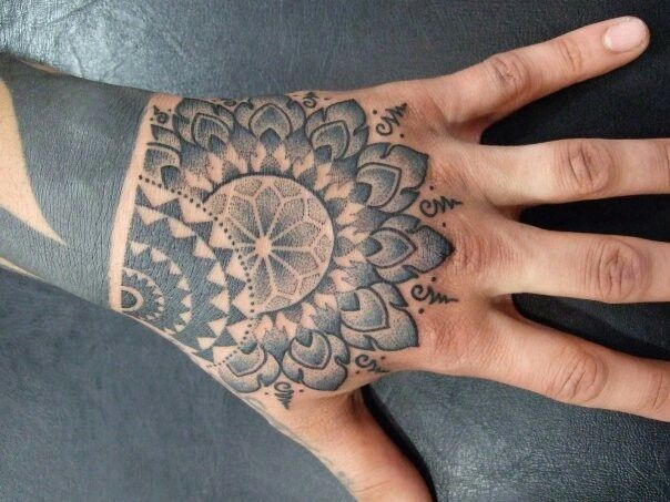 on pinterest mandala tattoo owl tattoos and mandala. Black Bedroom Furniture Sets. Home Design Ideas