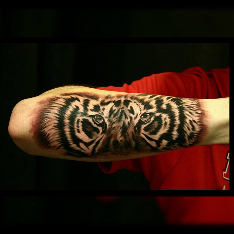 tiger forearm tattoo best tattoo design ideas. Black Bedroom Furniture Sets. Home Design Ideas