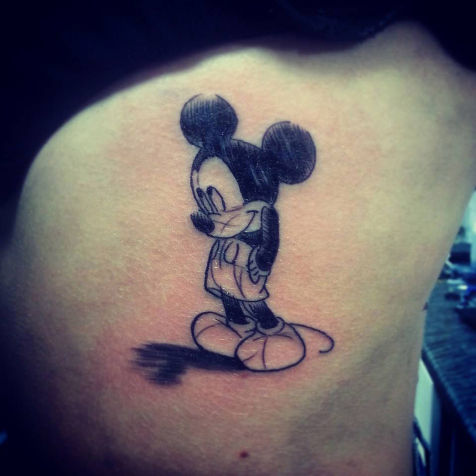 mickey mouse sketch tattoo best tattoo design ideas. Black Bedroom Furniture Sets. Home Design Ideas