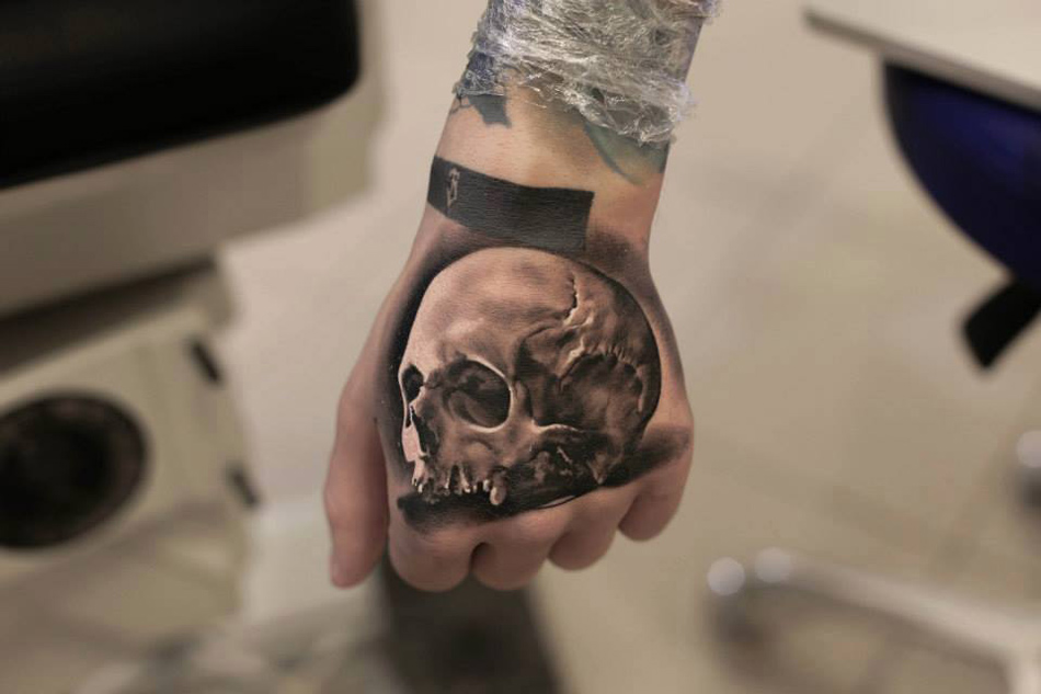 Hand Skull Tattoo | Best tattoo design ideas