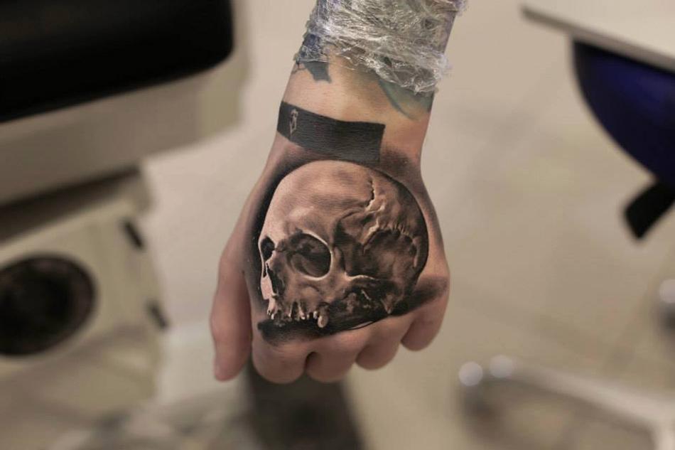 Hand Skull Tattoo | Best tattoo design ideas