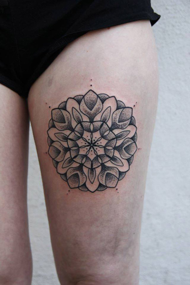 pretty leg mandala best tattoo design ideas. Black Bedroom Furniture Sets. Home Design Ideas
