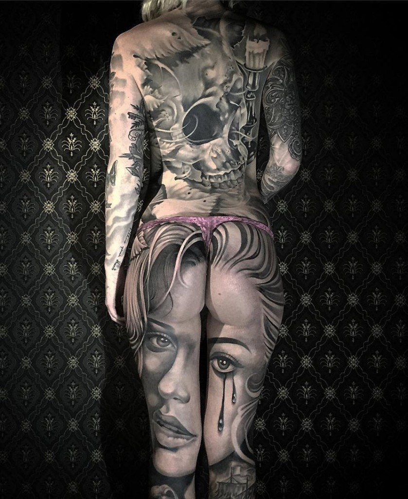 Portrait on back of Legs