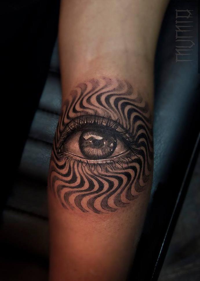 Eye & Wavy Pattern