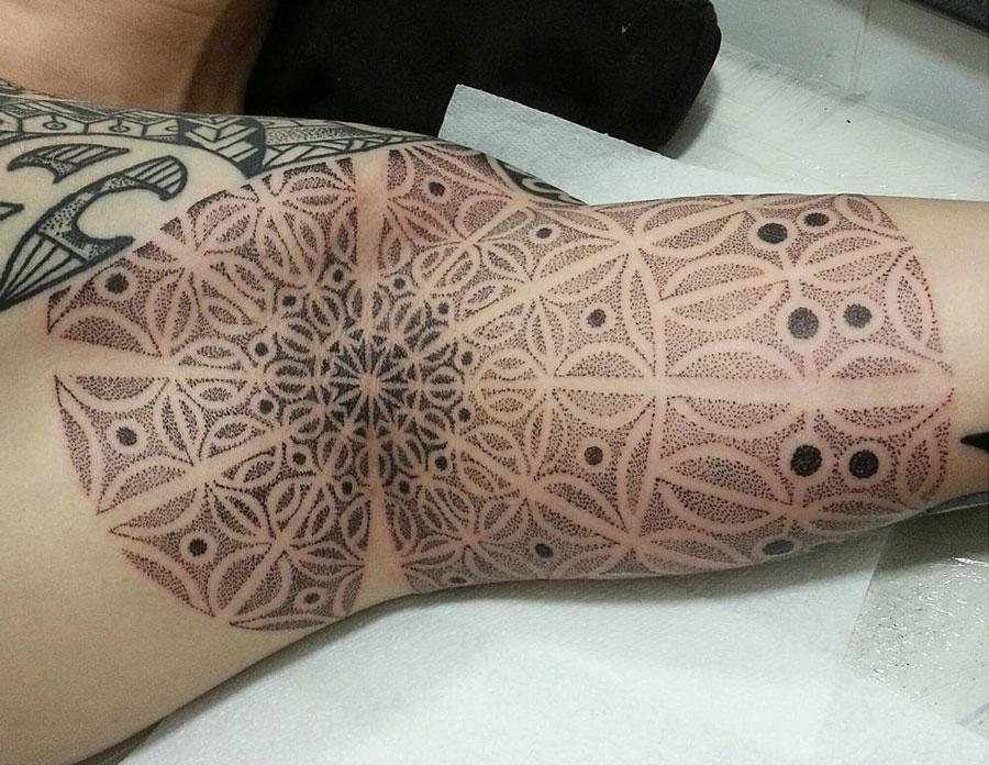Armpit Mandala | Best tattoo ideas & designs