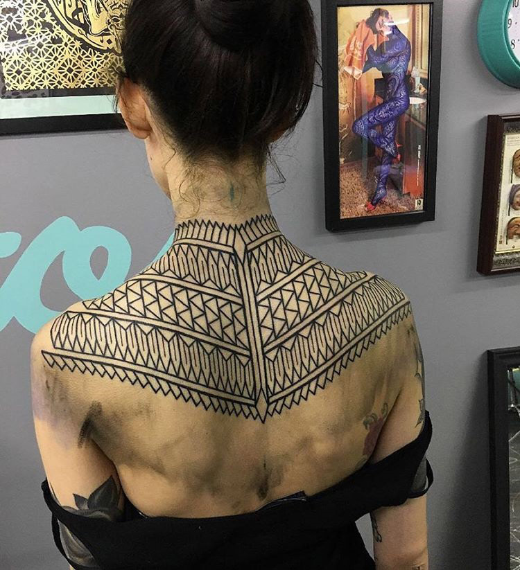 Geometric Back Pattern