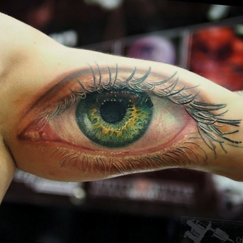 realistic human eye on guys bicep best tattoo design ideas. Black Bedroom Furniture Sets. Home Design Ideas