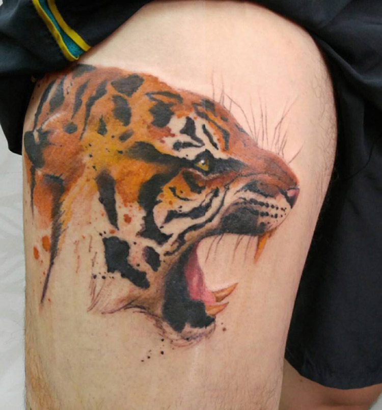 Leopard hip portrait best tattoo design ideas for Leopard tattoo on thigh