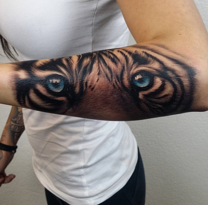 Realistic Tiger arm
