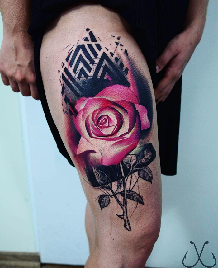 Pink Rose & Black Pattern on Girls Thigh | Best tattoo design ideas