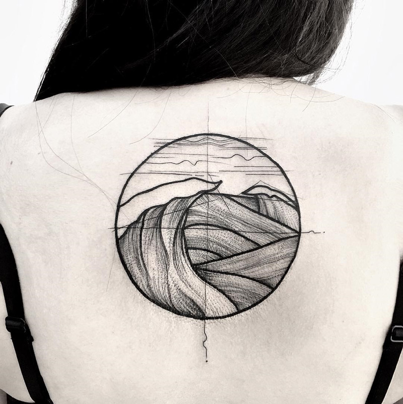 Waves Back Piece