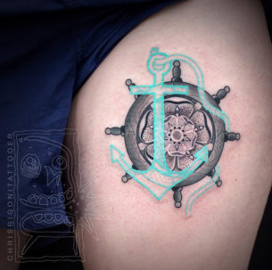 Ships Wheel & Anchor