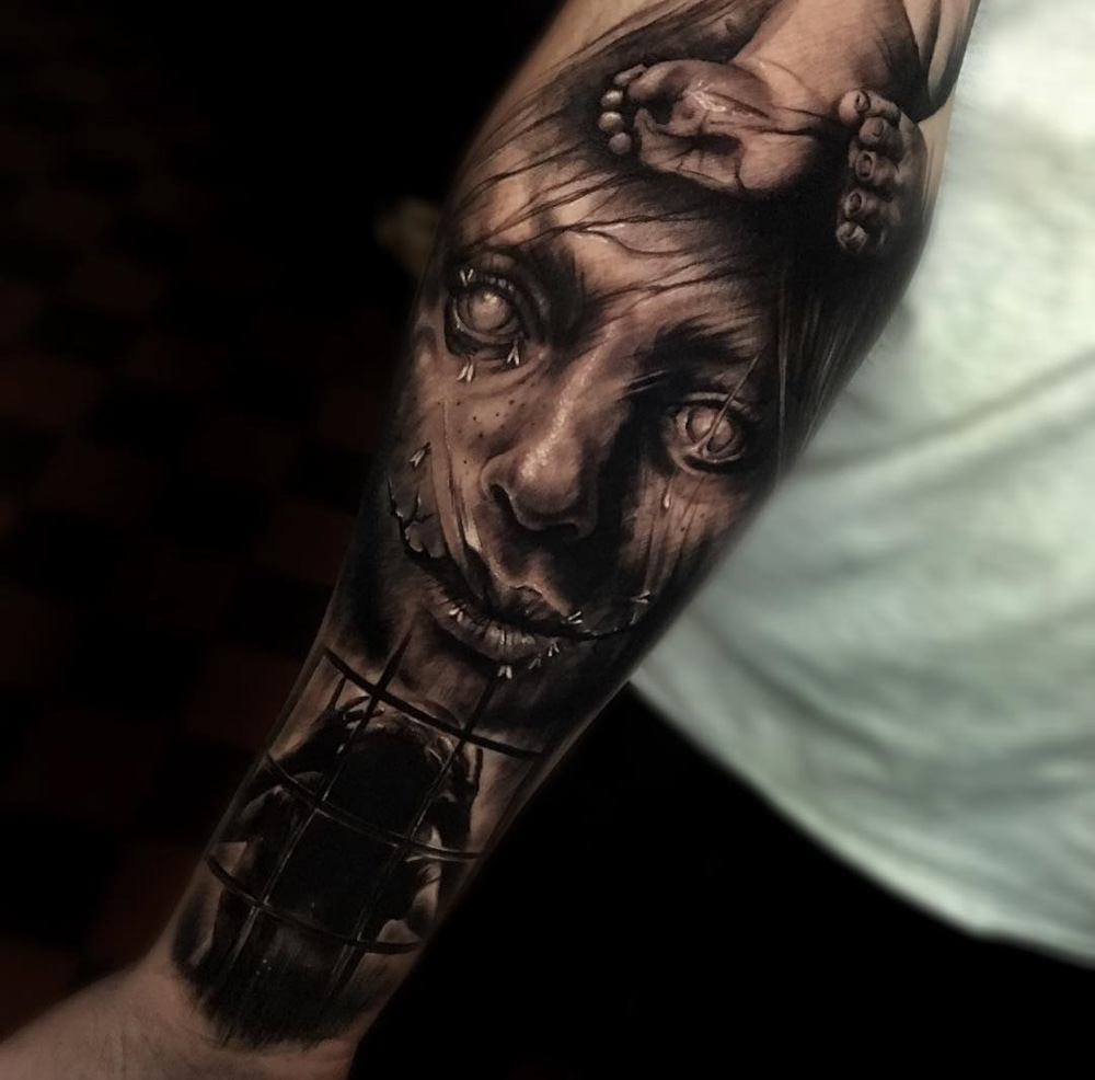 Creepy Sleeve