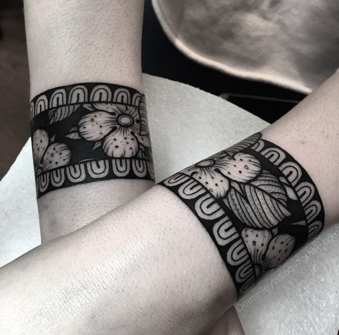 floral bracelet tattoos in black ink best tattoo design ideas. Black Bedroom Furniture Sets. Home Design Ideas