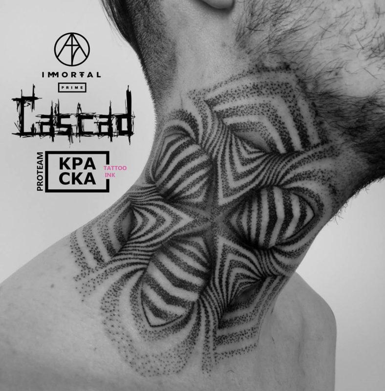 Abstract Hals Tattoo