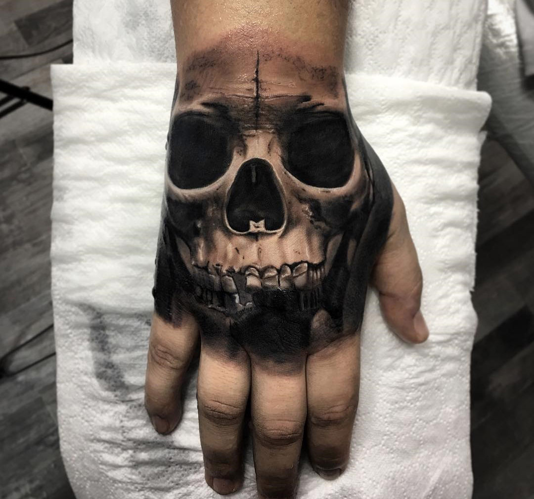 dark hand skull best tattoo design ideas. Black Bedroom Furniture Sets. Home Design Ideas