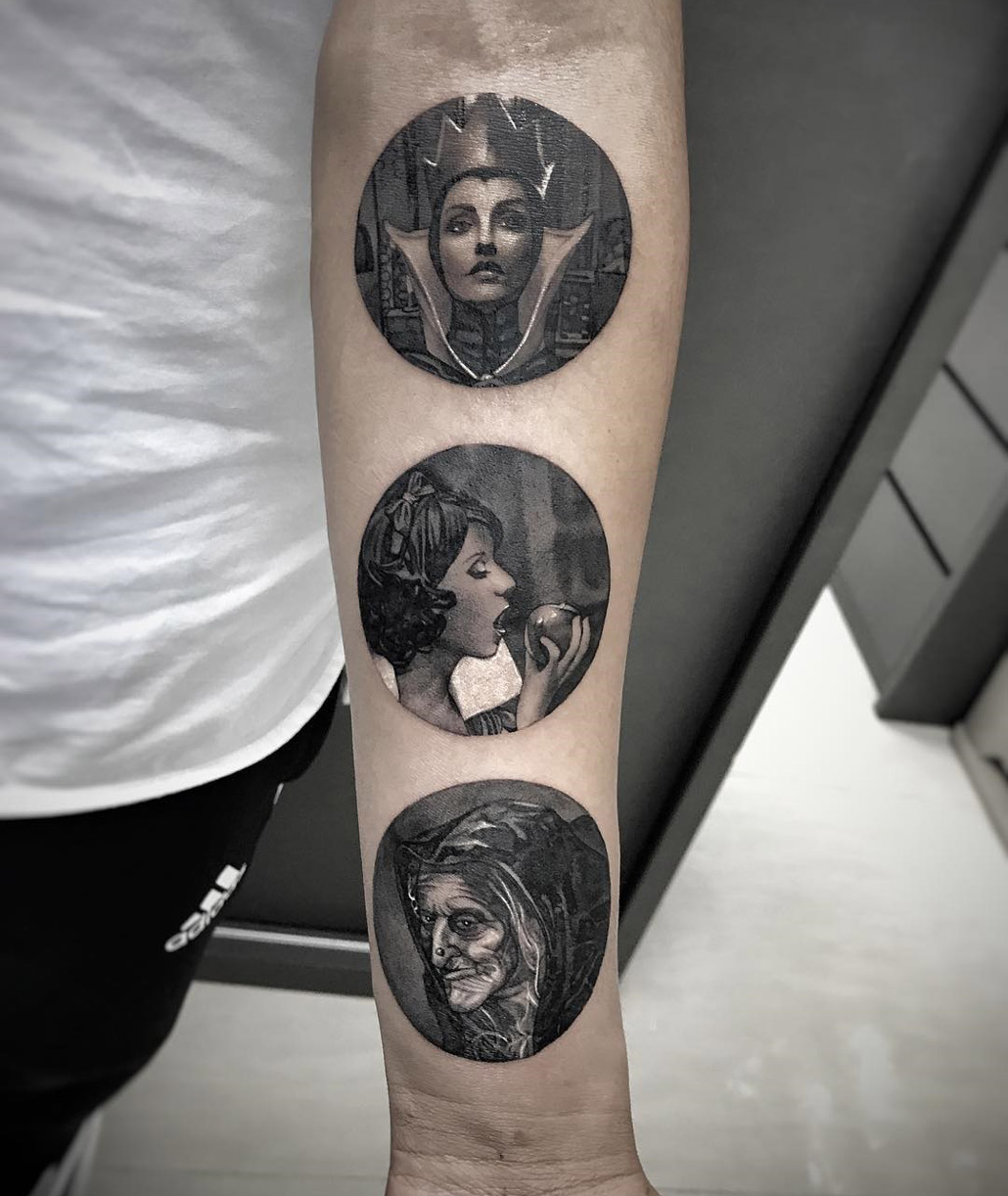Snow White circular tattoo