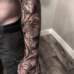 Crowned Lion, mens sleeve