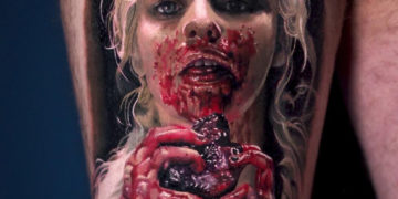 Daenerys Targaryen eating a horse heart