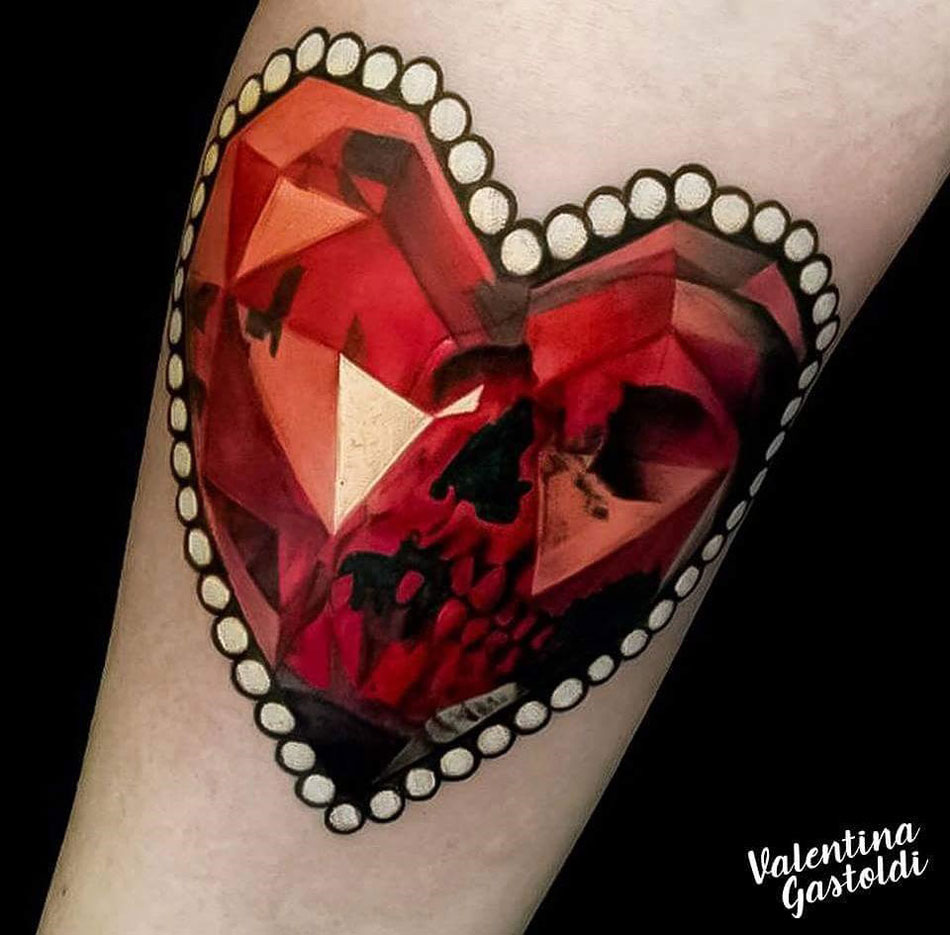 heart shaped ruby with skull best tattoo design ideas. Black Bedroom Furniture Sets. Home Design Ideas