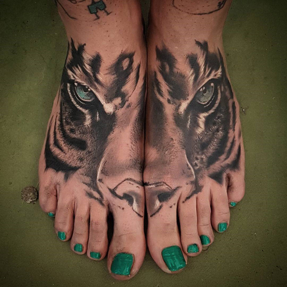 tiger face double foot tattoo best tattoo design ideas. Black Bedroom Furniture Sets. Home Design Ideas