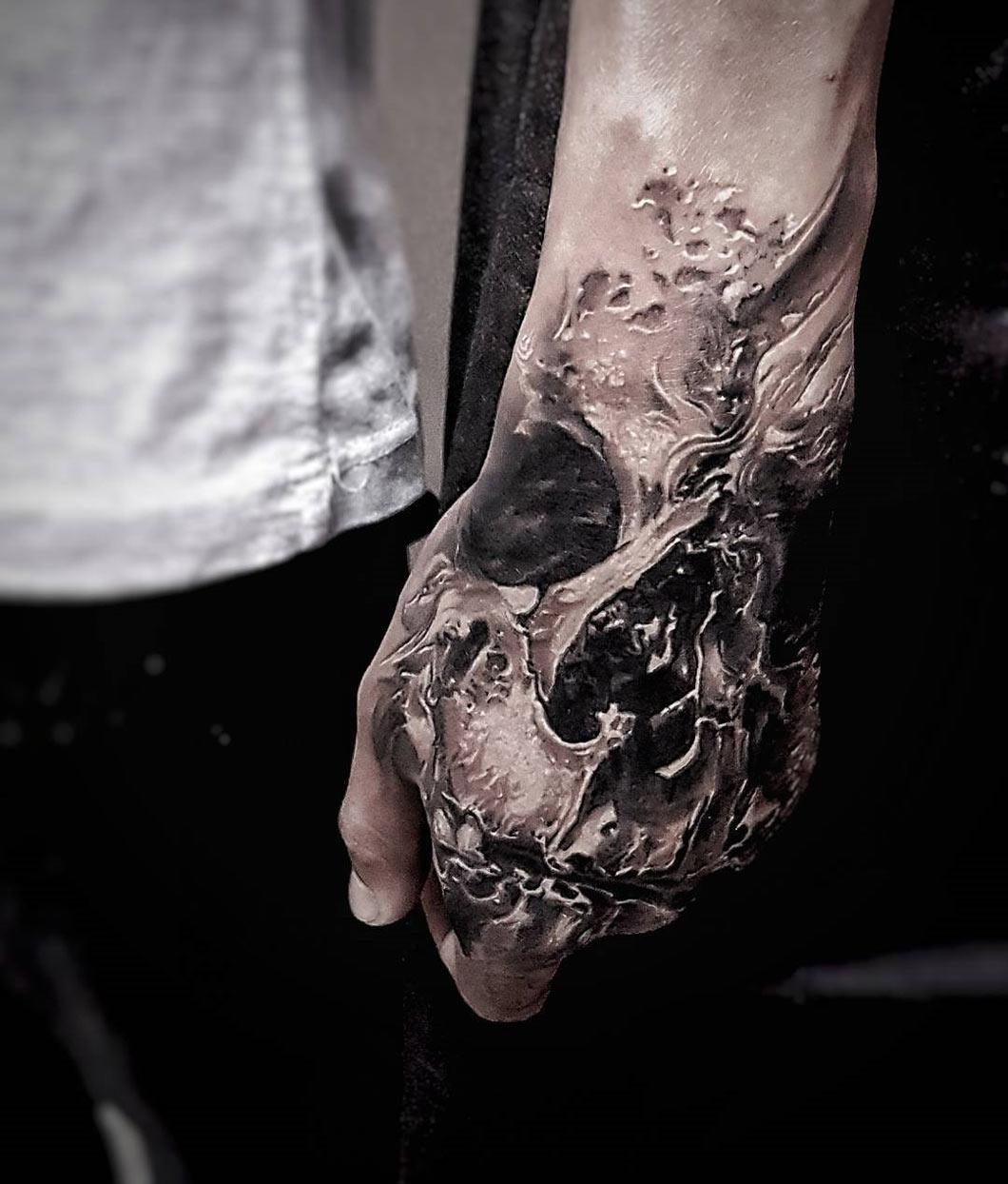 Men's Hand Skull