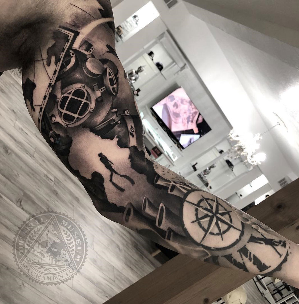 Couple underwater themed sleeve
