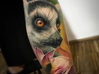 Lemur and flower