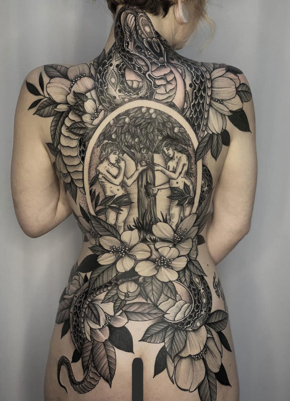 Tatuaje de espalda de fruta prohibida
