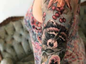 Raccoon, Pansy & Berries