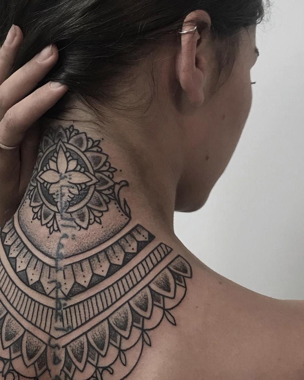Ornamental Neck detail