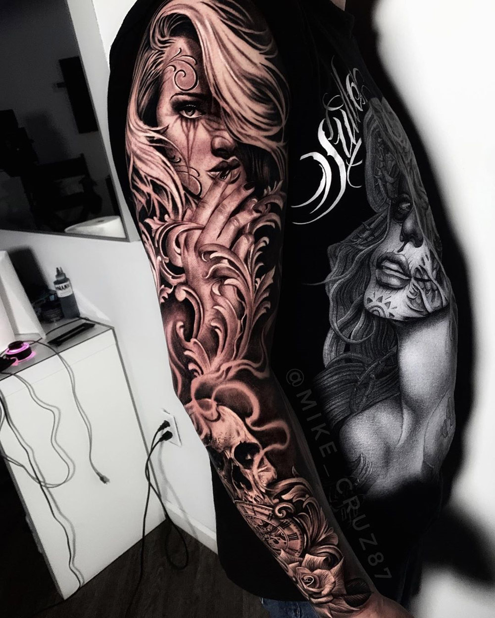 Portrait & Filigree Sleeve