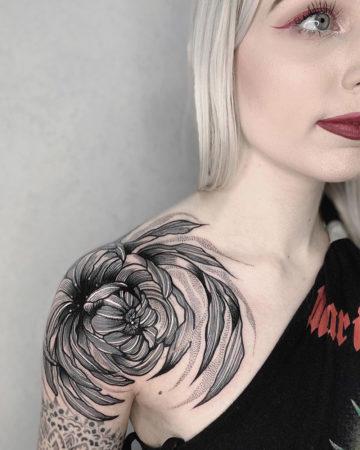Shoulder Chrysanthemum