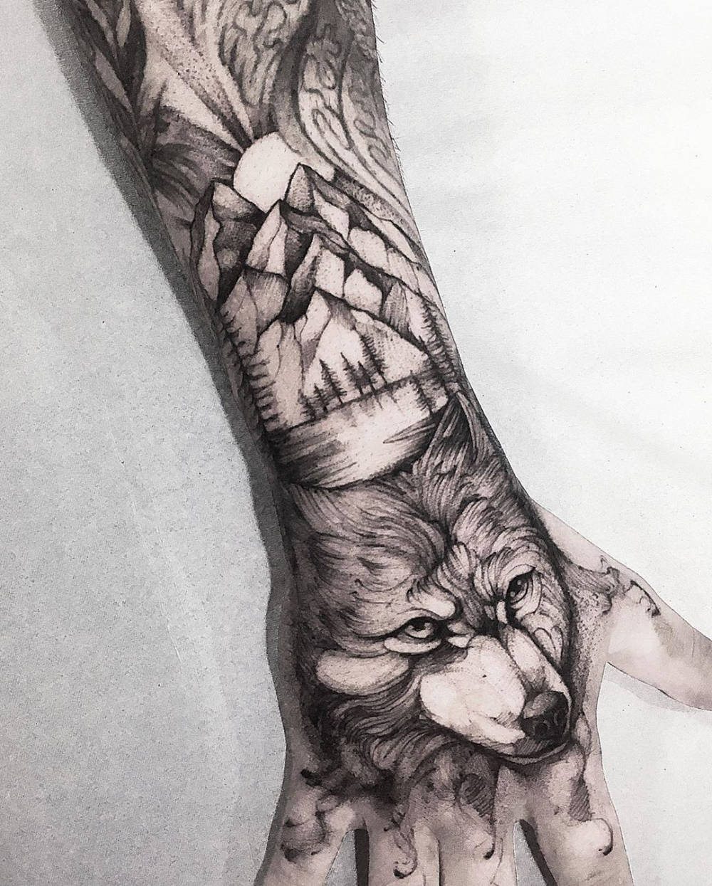 Sketch style hand & forearm tattoo