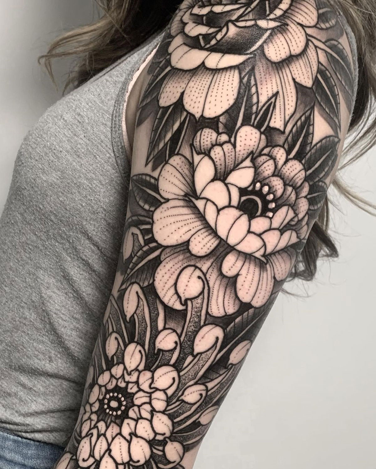Floral sleeve detail