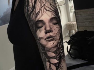 Mother Nature Sleeve