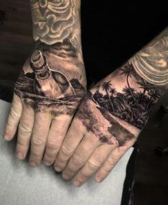 Tatouages de mains jetées