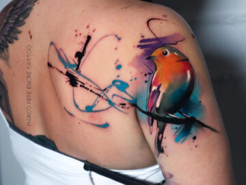 Robin Shoulder Tattoo