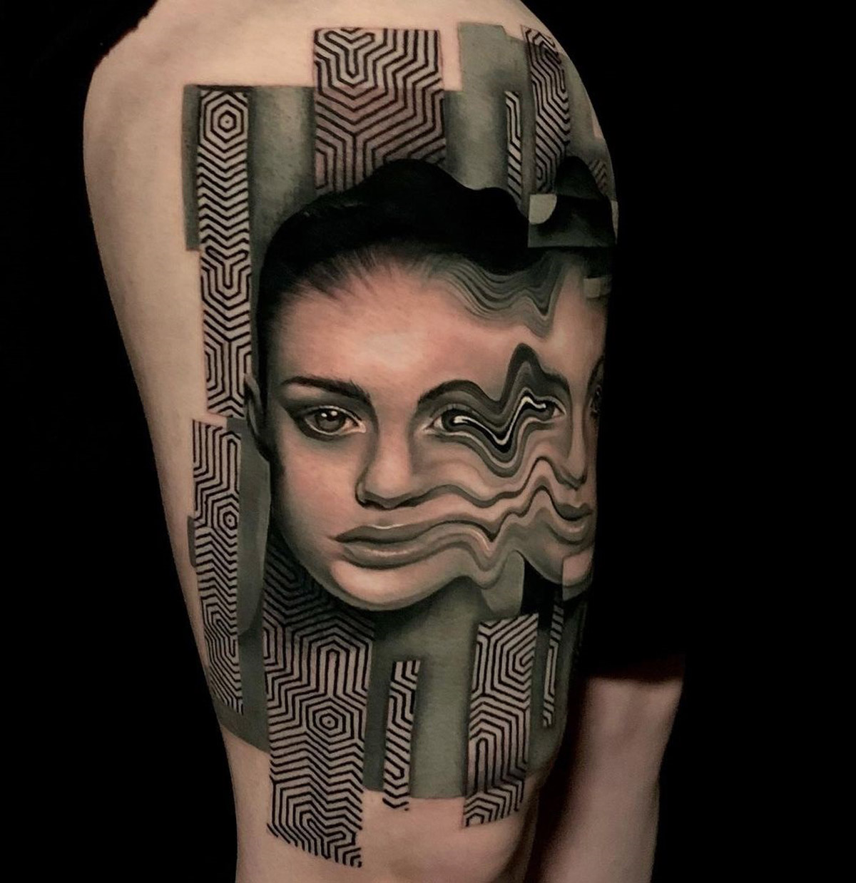 Psychedelic Portrait on woman's thigh